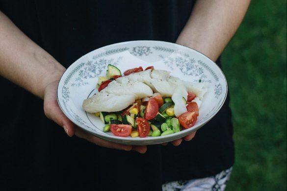 Aiglfin poêlé et salade de légumes grillés