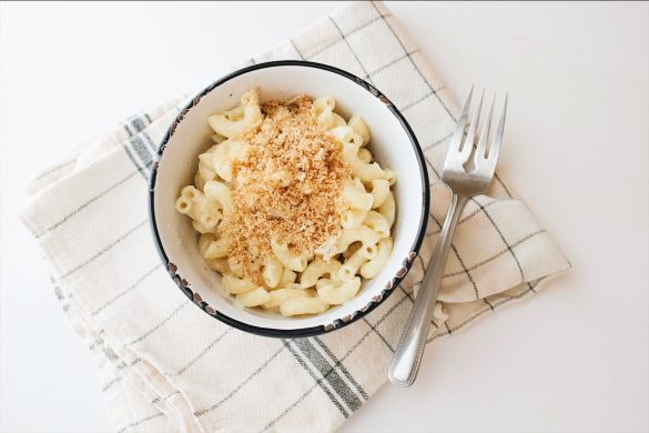 Macaroni au fromage et crumble au parmesan