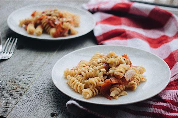 Rotinis et sauce aux tomates grillées