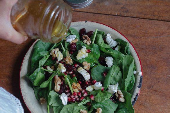 Salade d'épinards et vinaigrette à l'érable